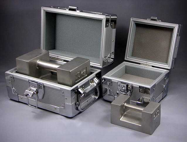 【�椛コ上衡器製作所】枕型分銅(ケース入)OIML型M2級1kg