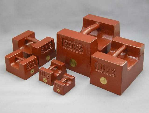 【�椛コ上衡器製作所】枕型分銅:M1級200kg 鋳鉄製