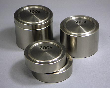 【�椛コ上衡器製作所】円盤型分銅:500g(M1級)2級・調整ネジ付