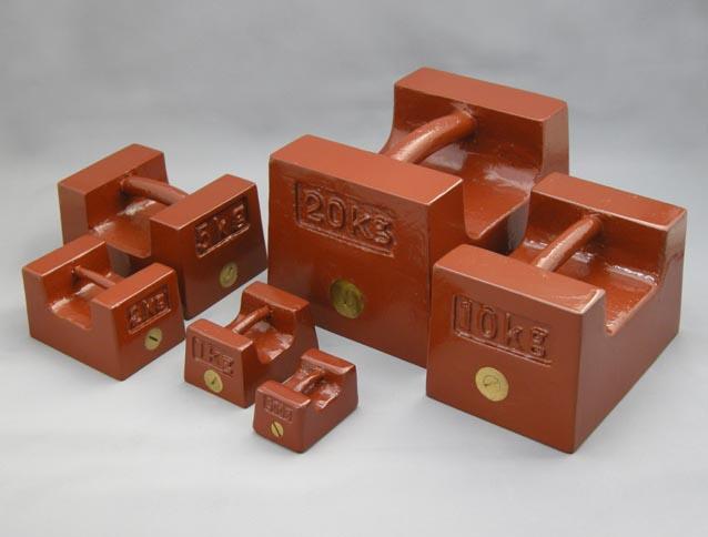 【�椛コ上衡器製作所】枕型基準分銅3級(M2級)  20kg鋳鉄製+基準器検査成績書付